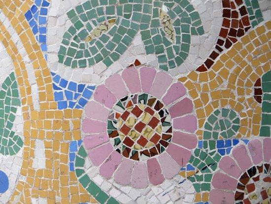 Mosaiccos: Trencadis orMosaic