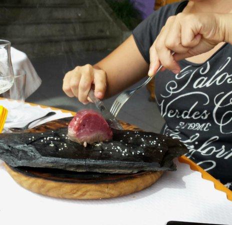 Restaurant Rita Porta : Filet a la llosa: lo asas sobre la piedra a tu gusto, super tierno, espectacular!