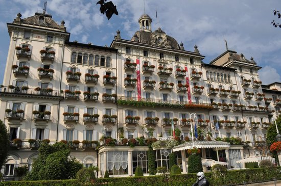 Grand Hotel Des Iles Borromees: front of hotel