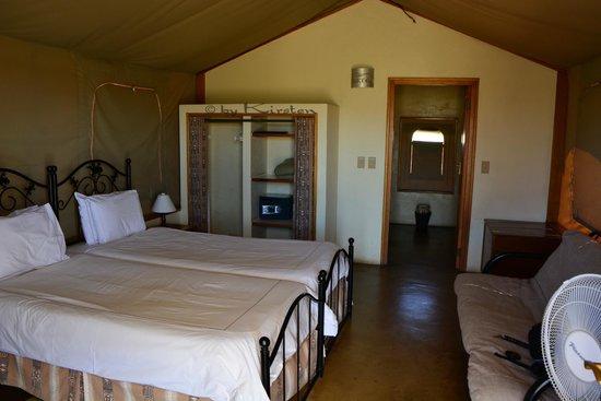 Desert Camp: Zeltinnenansicht vom Eingang