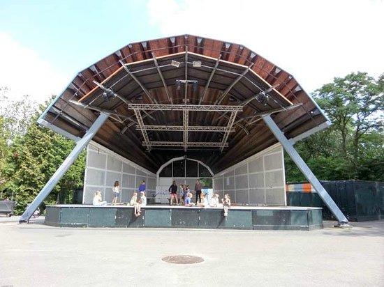 Vondelpark : the podium