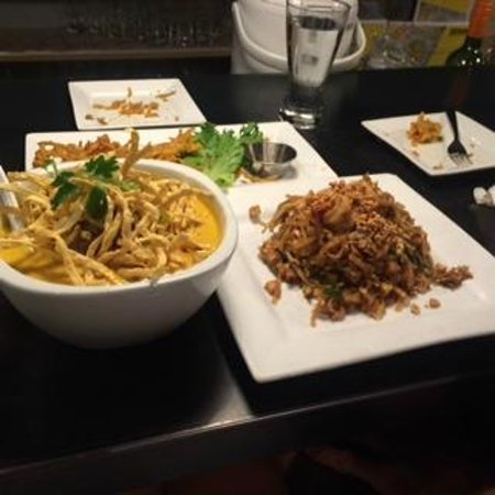 Khao San Road : Pad Thai, Khao Soi, and almost gone is the squash fritter appetizer