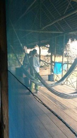 Muyuna Amazon Lodge : Playing on the patio