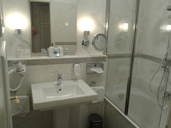 Austria Trend Hotel Astoria Wien: bathroom
