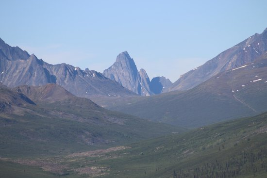 Dempster Highway: Tombstone Mountain