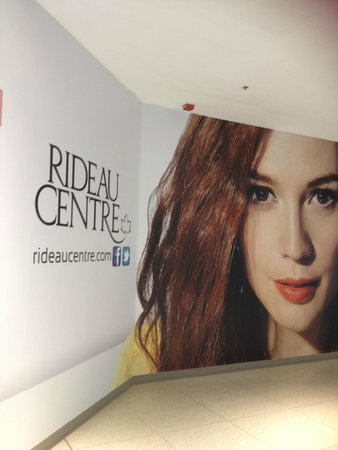 Rideau Centre: Undergoing rennovations but great shopping nonetheless