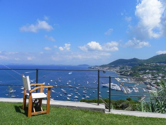 San Montano Resort & SPA: View to Lacco Amena