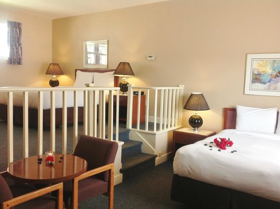 Coastal Inn Antigonish: Queen & Double- Family sized room