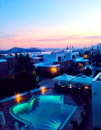 Hotel Spiros: The pool