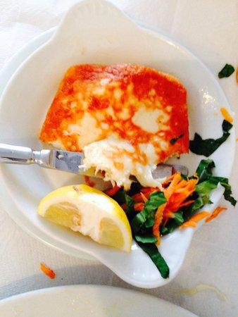 Naoussa Restaurant: Wonderfull fried cheese