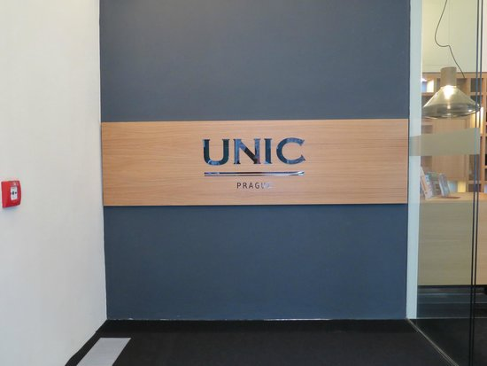 Hotel UNIC Prague: The entrance into the hotel