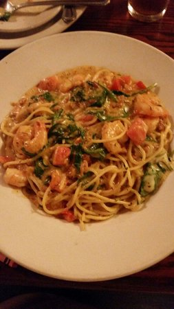 Giannos Stone Oven Pizzaria : Cajun shrimp Alfredo was delicious!