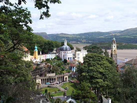 Portmeirion Village: From top viewing point