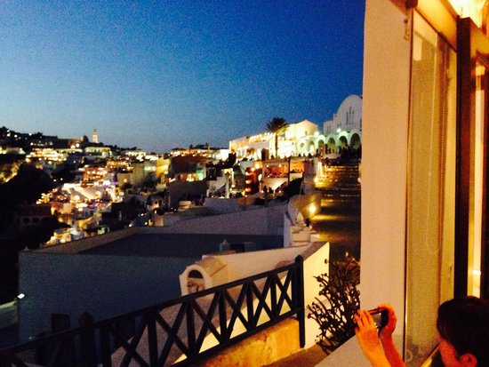 Naoussa Restaurant : Night view!!!
