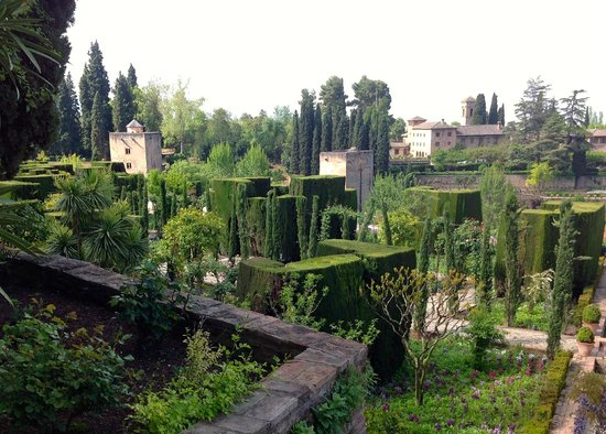 Generalife: Beautifully structured trees and shrubs