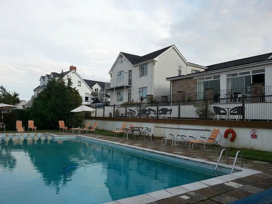 Merlewood Hotel: The Hotel and Pool