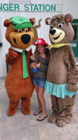 Yogi Bear's Jellystone Park and Camp-Resort Toronto: Hanging out with Yogi and Cindy Bear