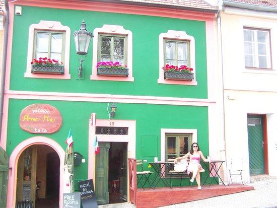 Hotel Zamecek Mikulov: small cafes in Mikulov