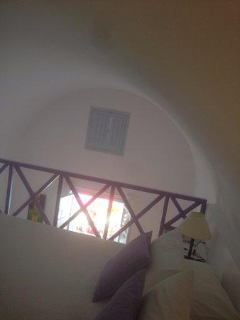 Santorini Kastelli Resort: View on the room 117
