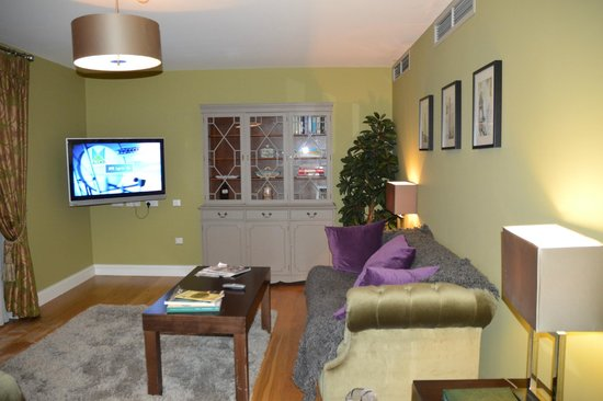 No. 1 Pery Square Hotel & Spa : townhouse suite living room