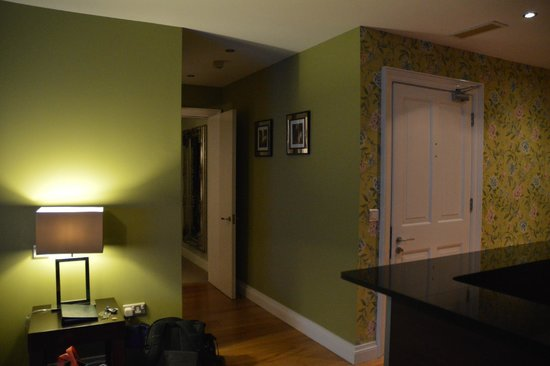 No. 1 Pery Square Hotel & Spa : townhouse suite to bedroom