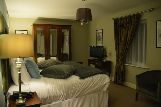 No. 1 Pery Square Hotel & Spa: townhouse suite bedroom