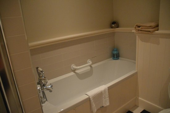 No. 1 Pery Square Hotel & Spa: tub in townhouse suite