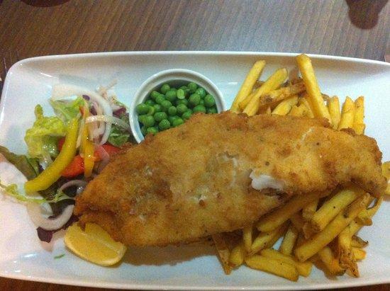 Cornerstone Restaurant: Fish n chips!