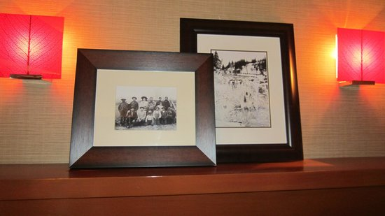 Salish Lodge & Spa : Artwork on walls