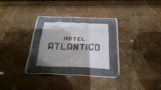 Hotel Atlantico: Personalized bathroom mat