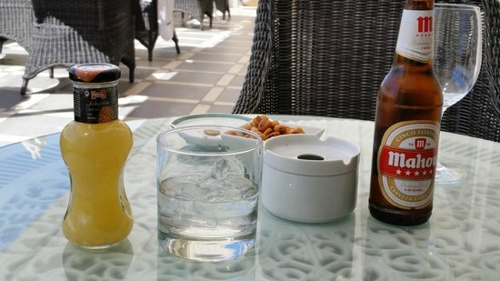 Hotel Atlantico: Drinks on the rooftop terrace