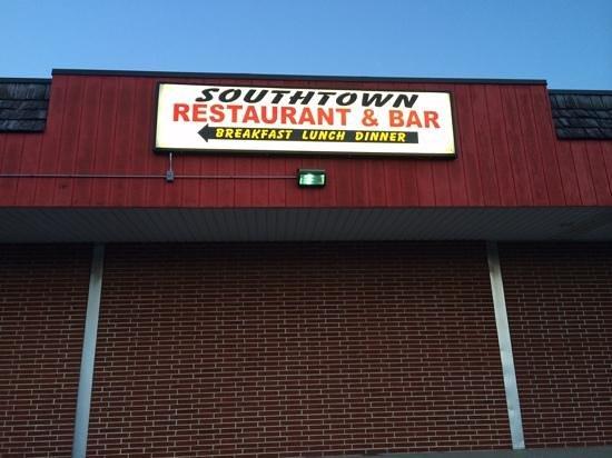 Southtown Bar & Restaurant: Great Local's Hangout