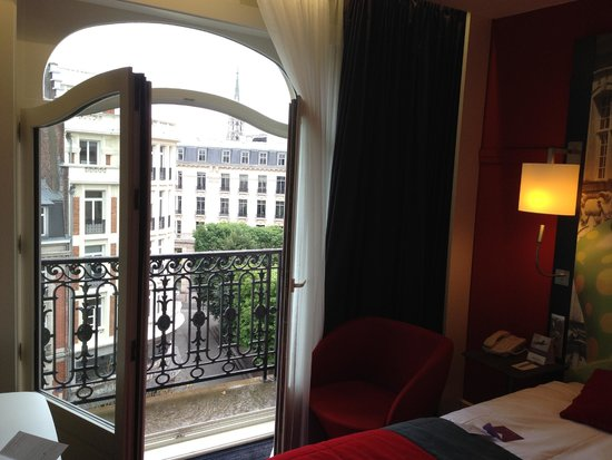 Mercure Lille Centre Grand Place : French balcony
