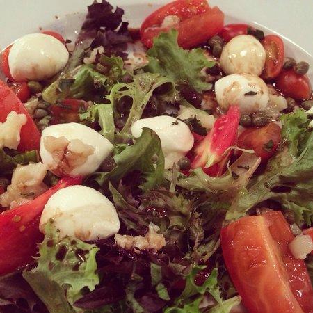 Radius Brewing Company : Caprese salad