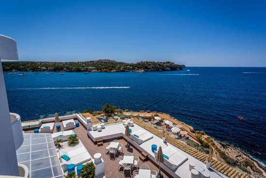 SENTIDO Punta del Mar: Overlooking The Blue Bar