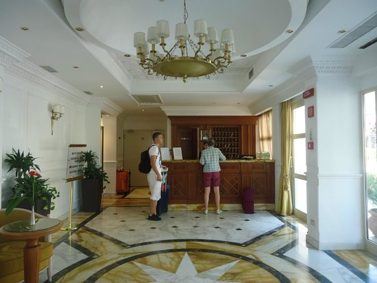 Sunrise Hotel : Accueil