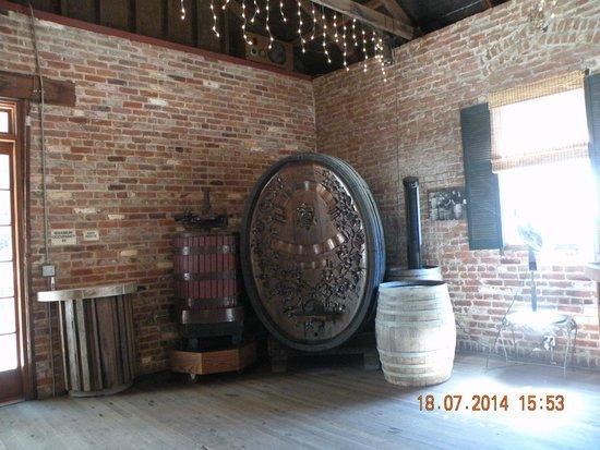 Picchetti Winery: Винодельня