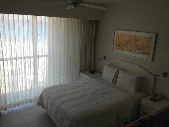 Sunset Royal Beach Resort: Cama