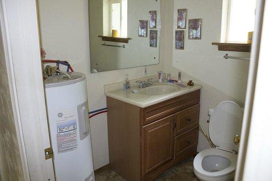 Fountain of Youth RV Park: Dr. Suess Bathroom