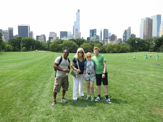 Real New York Tours: Aaron with my family in Central Park