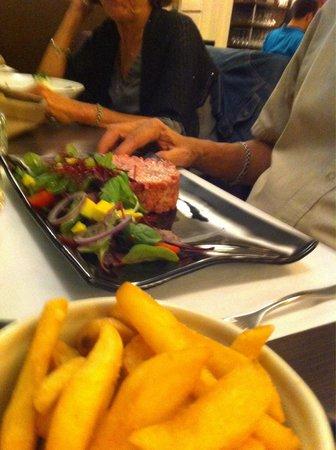Brasserie 1802 : Tartare de bœuf au couteau