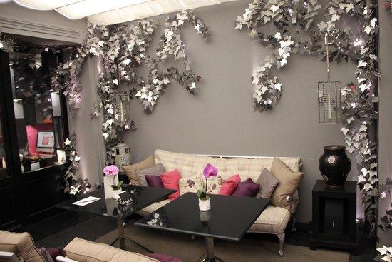Hôtel Les Jardins de la Villa : Aufenthaltsraum