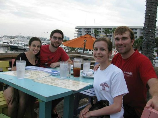 Shipp's Harbour Grill: That is me in the black, next to me is John, and the girl in the white Lauren and her boyfriend