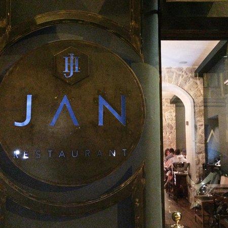 JAN : Street view.
