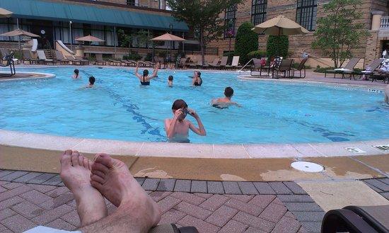 Omni Shoreham Hotel: piscine