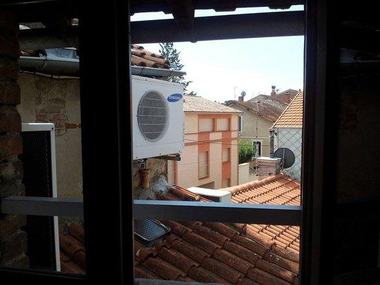 Hotel Le Rochegude : On entend bien la climatisation...