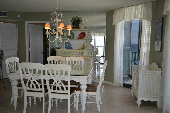 Summerhouse : dinning room