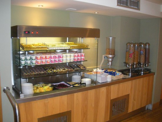 Premier Inn London County Hall Hotel: Breakfast buffet