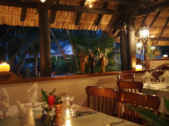 The Lodge at Chaa Creek: Dining room for dinner