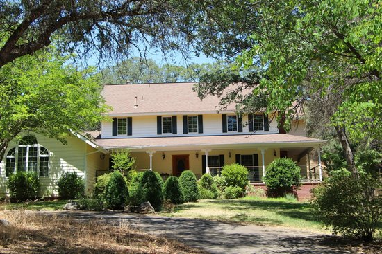 One Light B&B: Front view